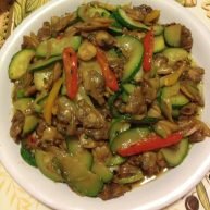 西葫芦炒花蛤肉