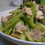 芹菜炒口菇