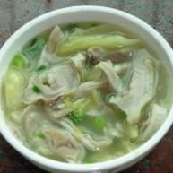 酸咸菜猪肚汤