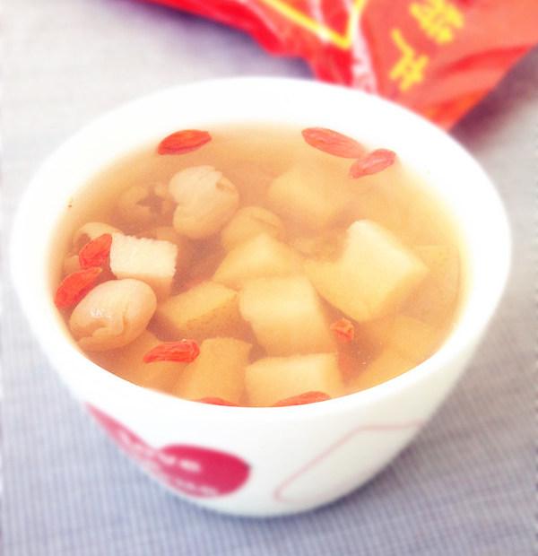 酸梨桂圆冰糖水