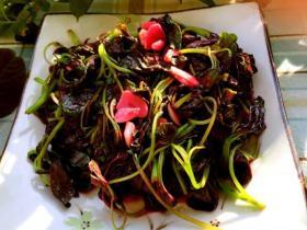 清炒红菜苔