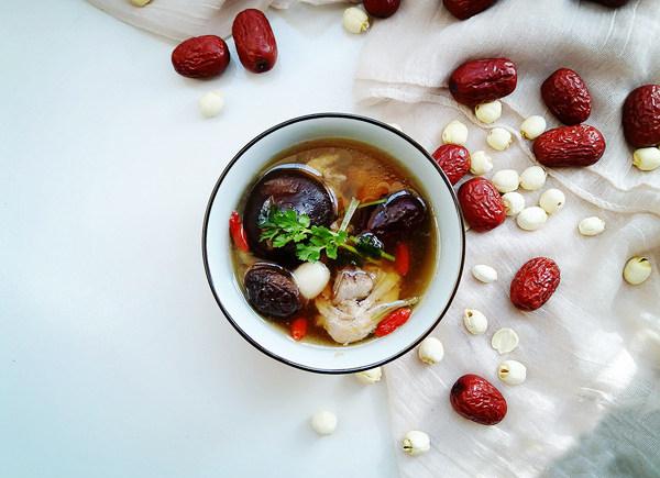 温补香菇鸡汤