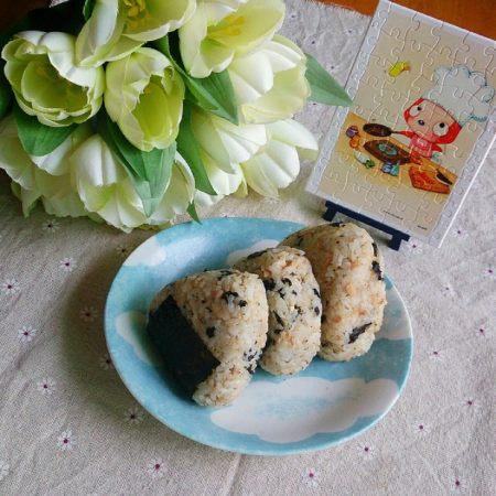 金枪鱼海苔饭团