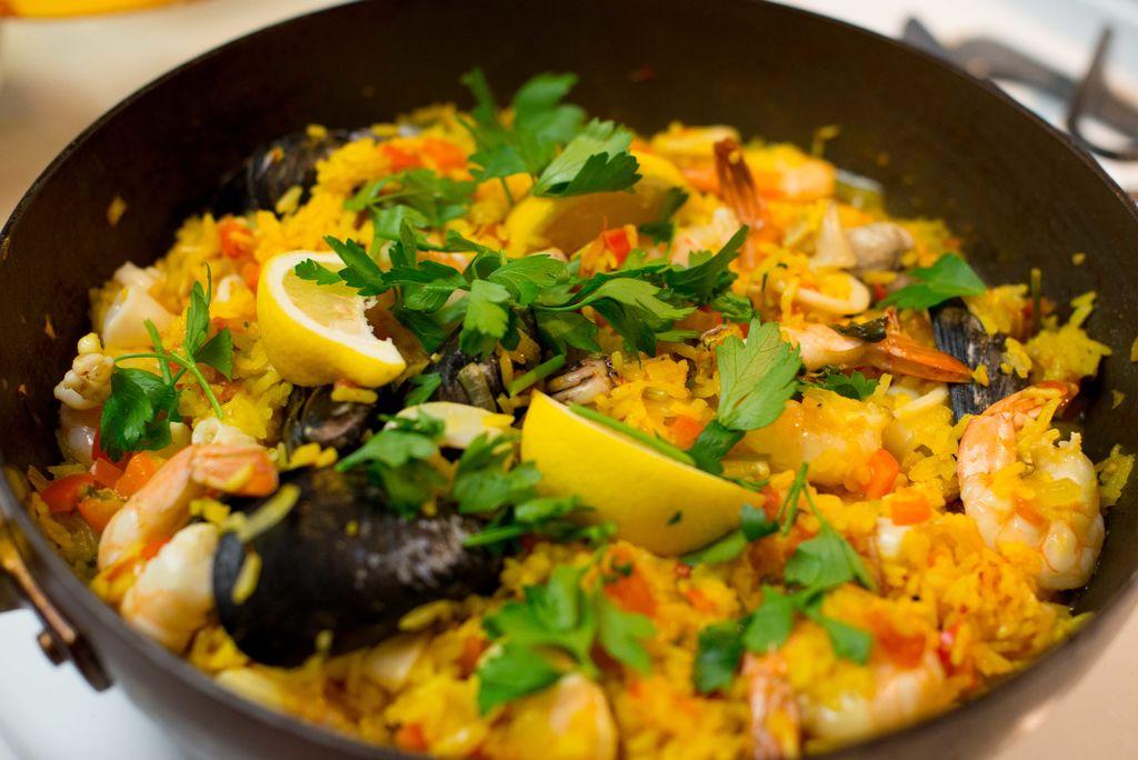 西班牙海鲜饭Paella主图