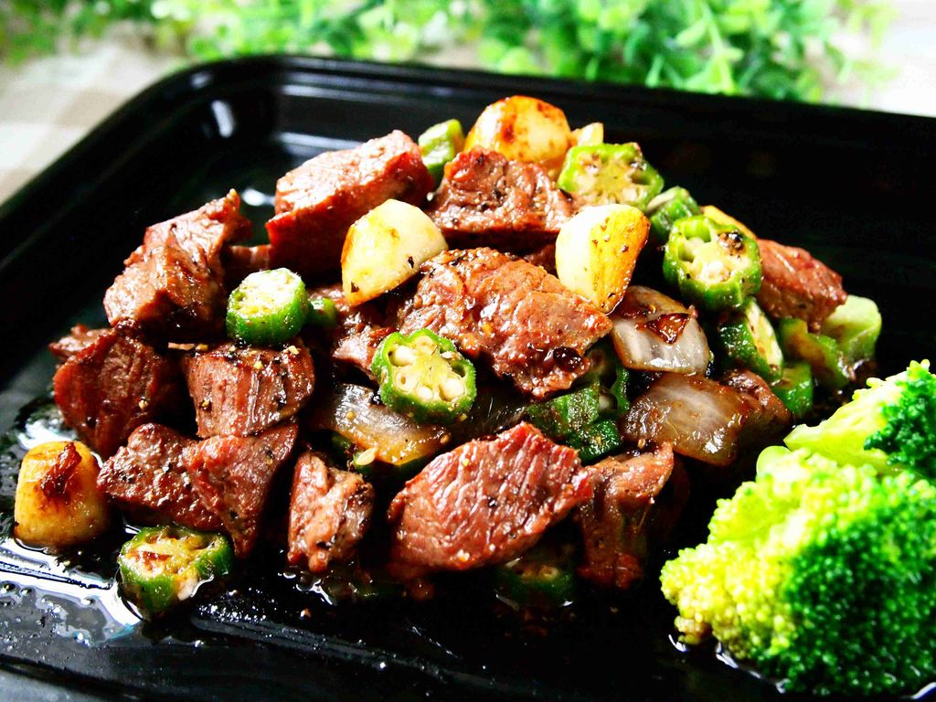 蒜香秋葵牛肉粒的做法和步骤第13张图