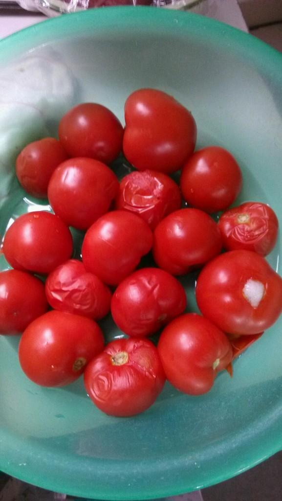 自制番茄酱的做法和步骤第1张图