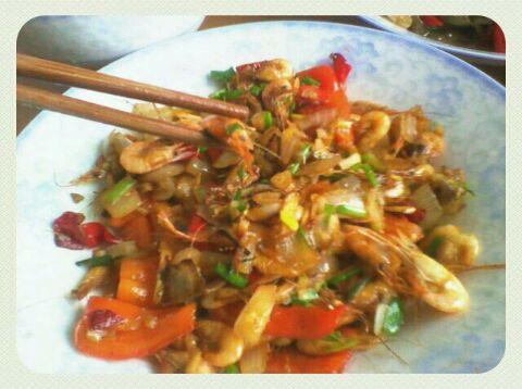 蒜香小河虾的做法和步骤第1张图