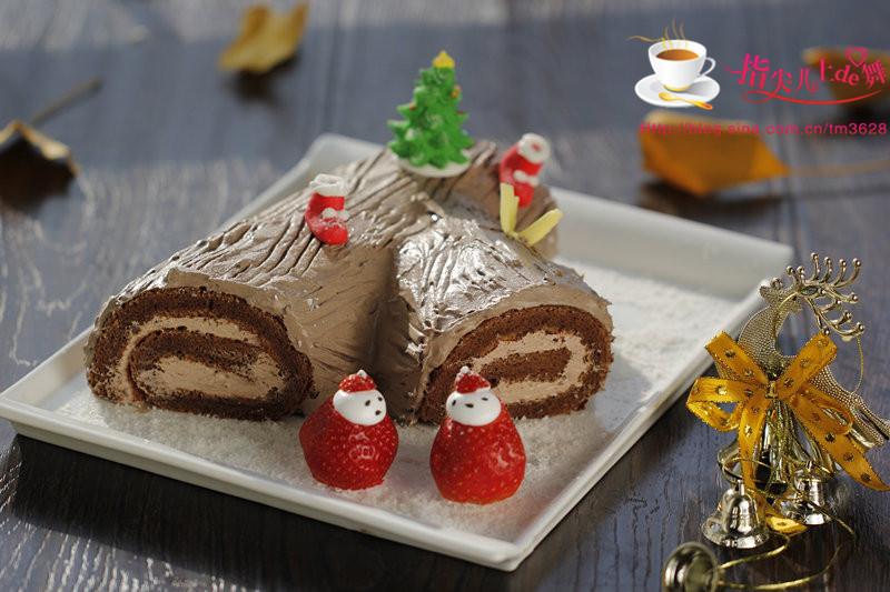 就如同这款圣诞树根蛋糕