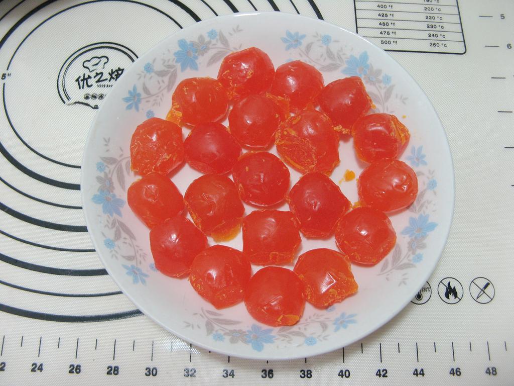 莲蓉咸蛋黄月饼的做法和步骤第6张图