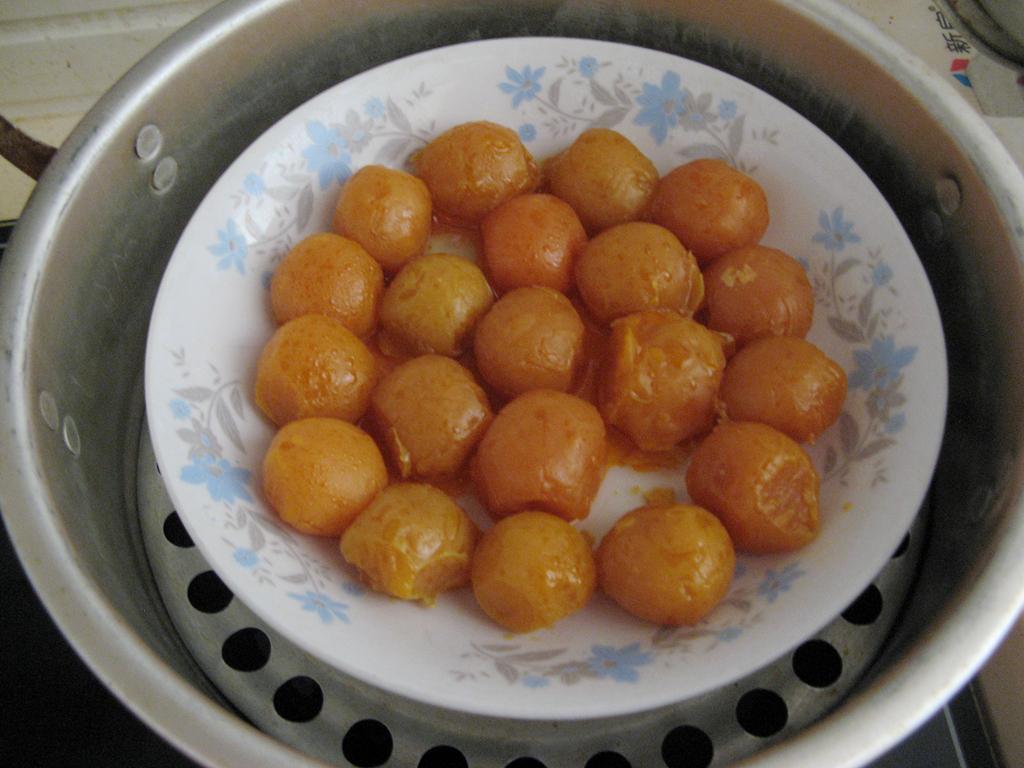 莲蓉咸蛋黄月饼的做法和步骤第7张图