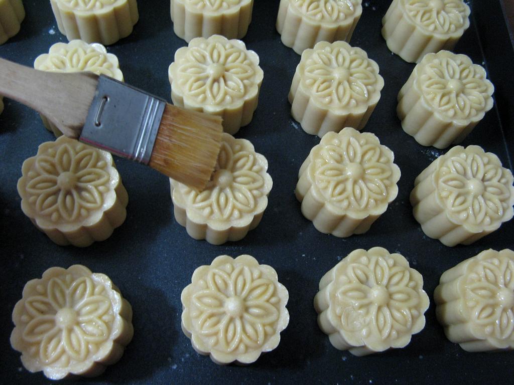 莲蓉咸蛋黄月饼的做法和步骤第22张图