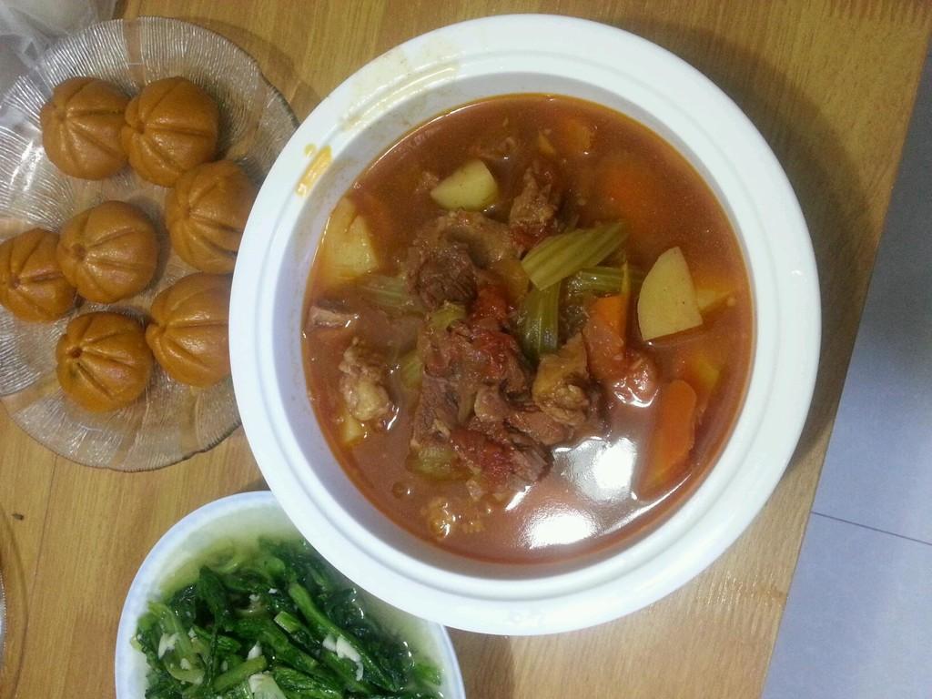 西红柿土豆炖牛腩的做法和步骤第2张图