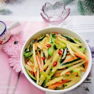 黄瓜炒土豆丝