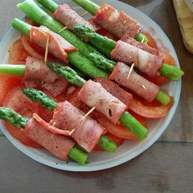 番茄芦笋培根卷