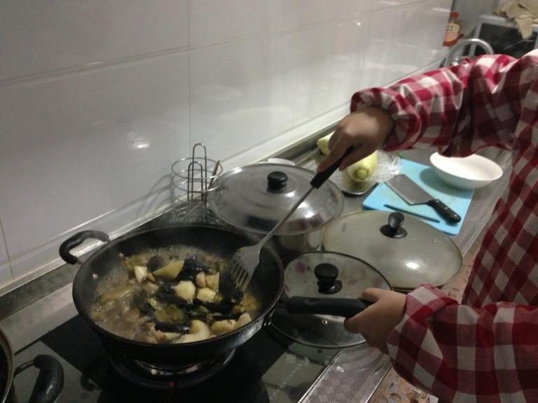 土豆茄子炖肉的做法和步骤第4张图