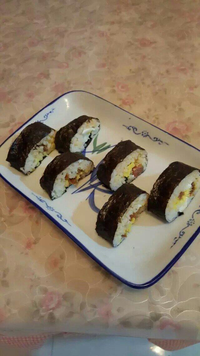 蛋黄腊肠紫菜包的做法和步骤第2张图
