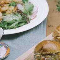马铃薯沙拉三明治&炒虾杂菜沙拉