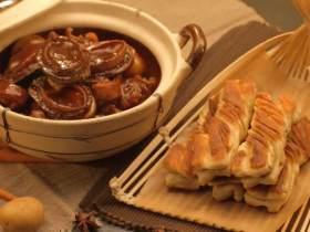 鲍鱼炖猪蹄&香麻粘卷子