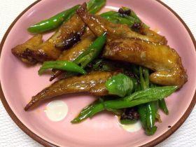 青椒干煸鸡翅尖