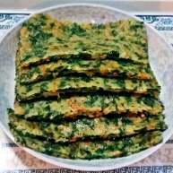 芹菜叶鸡蛋煎饼+#挑战鸡蛋的100种做法#