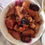 猪手汤+卤猪手