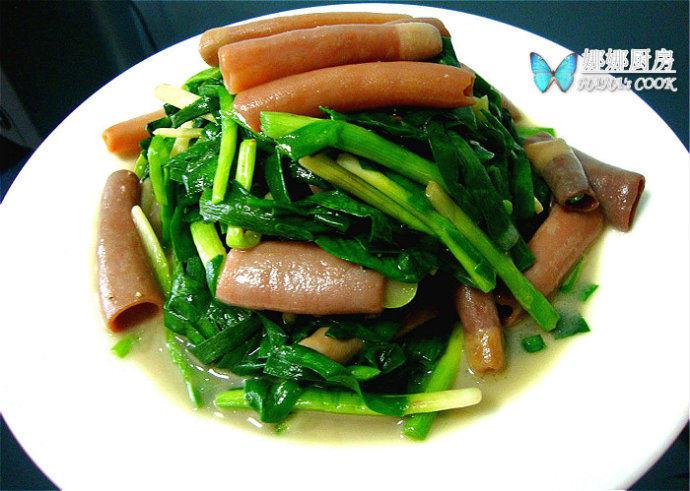 胶东名菜:韭菜炒海肠