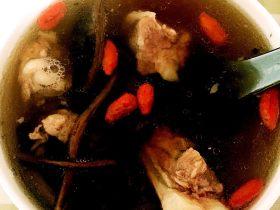 香菇茶树菇炖排骨