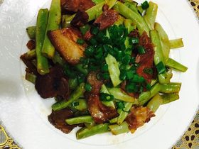 豆角炒猪头肉