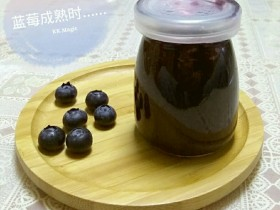 简单的蓝莓酱