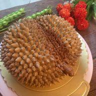 仿榴莲样子的榴莲慕斯蛋糕