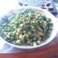 酸菜炒豌豆粒
