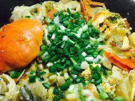 自创的肉蟹辣焖鲈鱼