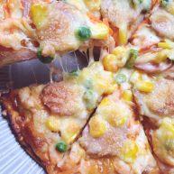 自制披萨--火腿虾蔬菜