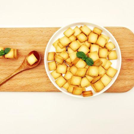 宝宝辅食:奶香饼干小方-12M+