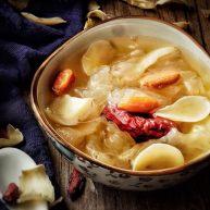 养颜润肺 红枣百合银耳甜汤