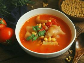 番茄黄豆猪蹄汤