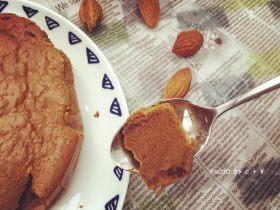 每一口都能吃到巴旦木的黑巧克力蛋糕