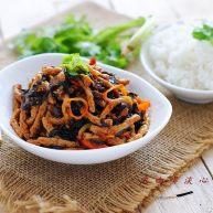 鱼香素肉丝:用素食材做出肉滋味的下饭利器