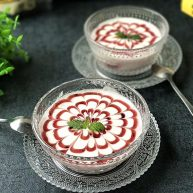 蓝莓果酱拉花酸奶