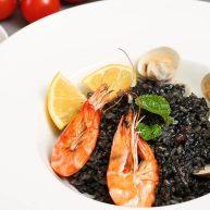 墨鱼汁海鲜饭,够黑够美味的暗黑系料理
