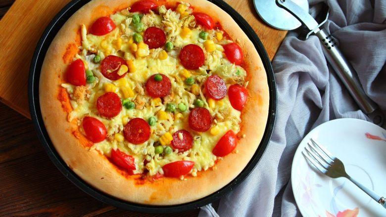 腊肠肉松披萨