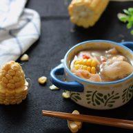 莲藕玉米猪脚汤