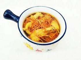 虫草花田七粉老母鸡汤