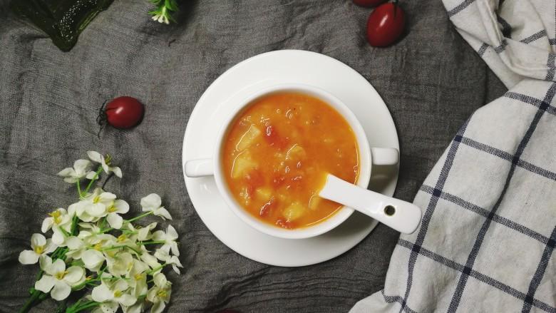 四季都宜的西红柿土豆浓汤
