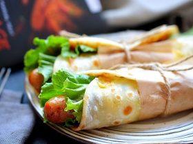 鸡蛋灌饼香肠卷