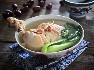 西洋参炖鸡汤,适合夏季的清淡鸡汤就做好了