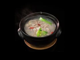 #食二星座#莲子薏米茨实牛肚汤
