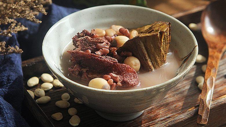 清热祛湿的莲蓬汤
