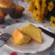 酸 奶 小 蛋 糕