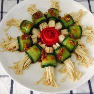 凉拌黄瓜金针菇卷
